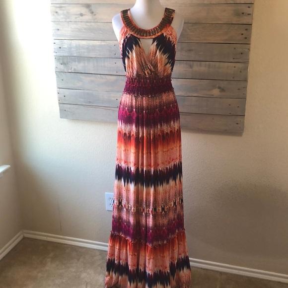 Versona Dresses & Skirts - Versona Maxi Dress
